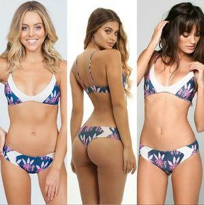 New acacia set heliconia bikini pupukea M mentawai